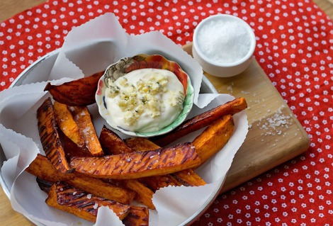Irresistible Crispy Chipotle Sweet Potato Wedges with Blue Cheese Aioli